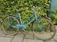 Ladies Raleigh hybrid bike,