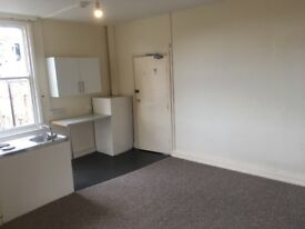 Studio Flat/ Bedsit to Let - South Side, Scarborough