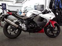 2016 Hyosung GT125R, 368 miles, immaculate **Ride Away Today**
