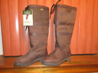 Leather, outdoor country style boots size 4......brand new