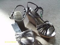 MARKS AND SPENCER BRAND NEW LADIES SIZE 4 SANDALS