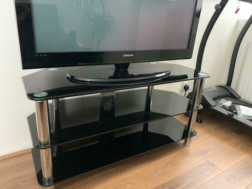 Samsung 42 inch tv with stand   in Headingley, West Yorkshire   Gumtree