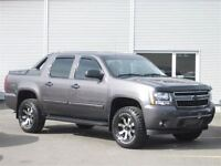 2010 Chevrolet Avalanche 1500 LS 4X4 / LEATHER / EASY FINANCING