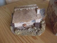 Lilliput lane Smallest inn very good condition