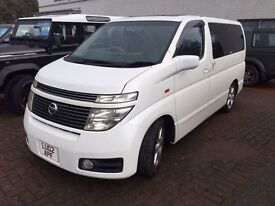 Nissan Elgrand E51 4x4, Highway Star, Twin Sunroof. Extremely clean.