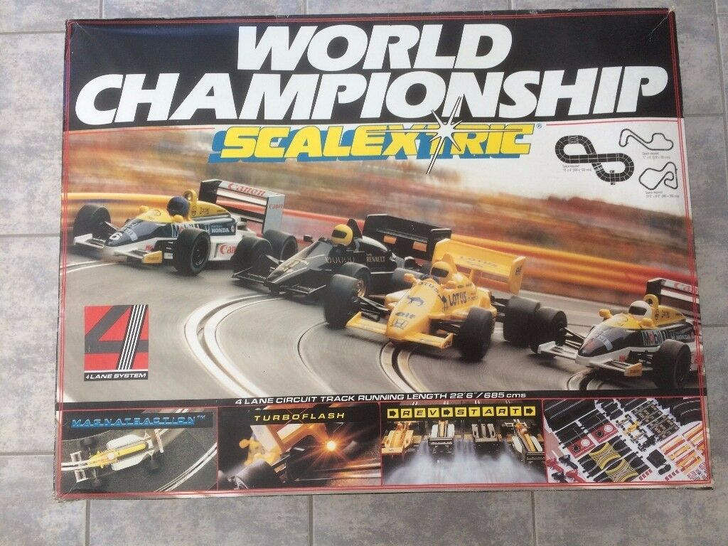 World Championship Scalextric, 4 lane circuit track running 22ft 6inches, 4 cars