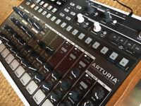 Arturia Drumbrute - all analog drum-machine