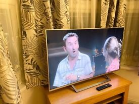 """ALMOST NEW,SONY 49"""" FULL HD SMART TV,SILVER,NO MARK/SCRATCH,FULL WORKING £290 NO OFFERS CAN DELIVER"""