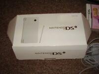 NINTENDO DSI LIKE NEW BOXED