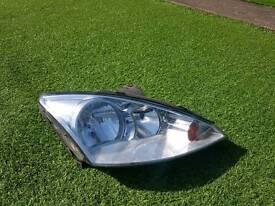 Ford focus passenger headlight