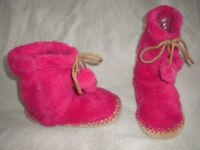 Girl's pink furry slippers