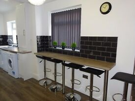 BRAND NEW ROOMS- TOP OF THE RANGE- Dial St, Kensington L7 - Close to city centre- All bills included