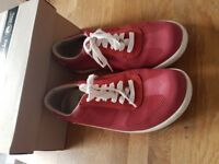 Clarks Trainers - size 8 - Mapped Vibe - Boxed - Nearly new