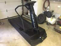 Pulse Ascent Running Machine