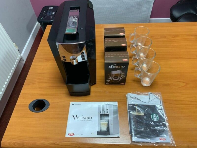 Used, Verismo Coffee Machine with latte glasses and latte pods for sale  Norwich, Norfolk