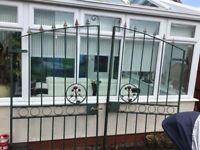 DOUBLE 7FT HIGH OLD METAL DRIVEWAY GATES ( heavy)