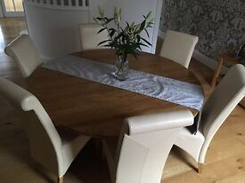 **Reduced now for quick sale ** Solid Oak table and 6 chairs.