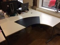 RIGHT HAND CORNER/CURVE DESK WITH FRAME