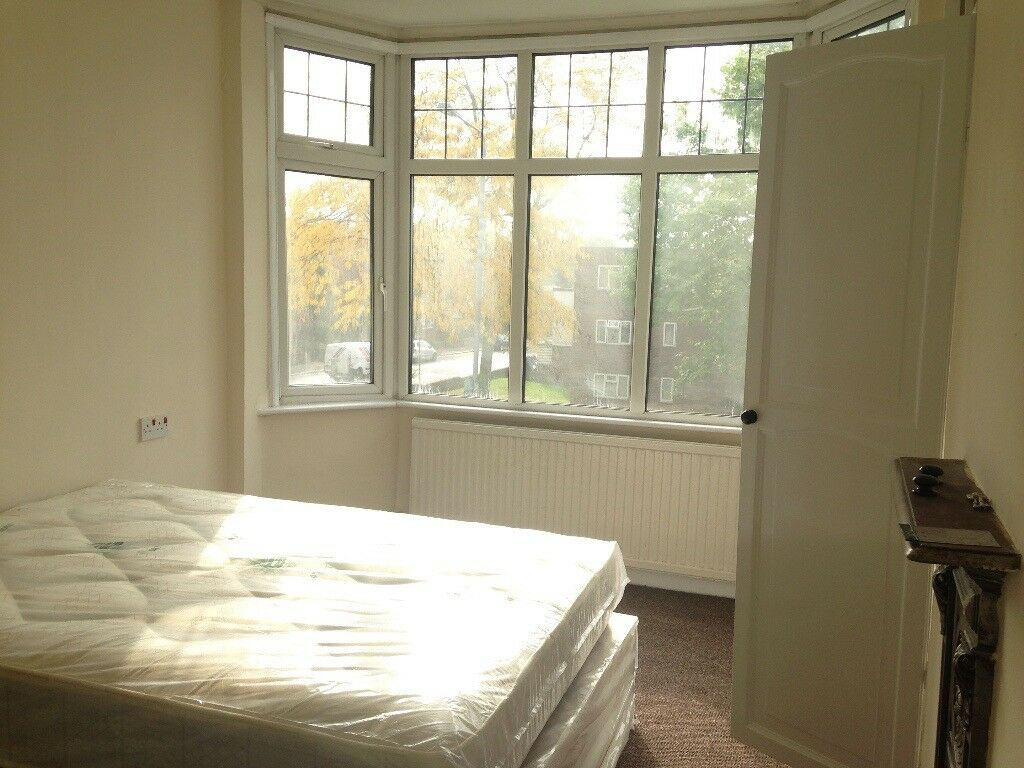 FANTASTIC DOUBLE ROOM TO RENT FOR SINGLE PERSON