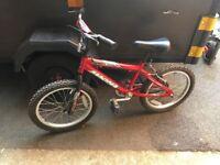"Boys or girls bike magna wipe out 18"" wheels"