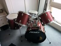 Peavy Drumkit, 7 Paiste Cymbals PLUS Premier Stands & Bags only £350 ono