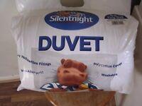 Silentnight kingsize duvet with 2 pillows