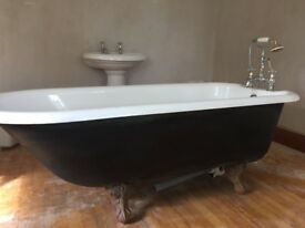Cast Iron Traditional Style Bath