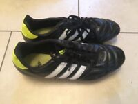 Adidas size 8 football boots