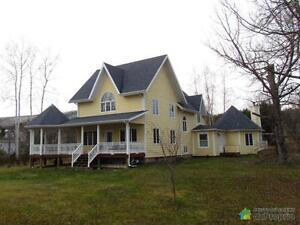 499 000$ - Maison 2 étages à vendre à Gaspé