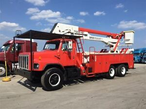 1992 International 2674 Bucket Truck 65FT Boom