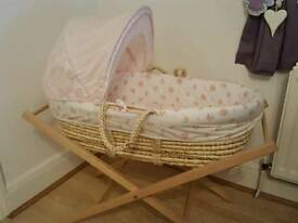 Moses basket woth stand
