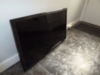 LG 32 inch (3D, Full HD) TV + 3D Blu Ray Player (available separately)