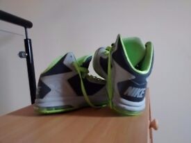 Nike Sneakers/ AirMax very comfortable and fashionable