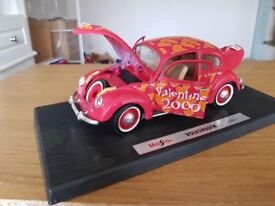 1.18 scale Volkswagen Beetle model - good condition, missing front head light