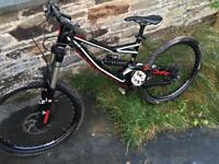 Specialized status 1 downhill mountain bike