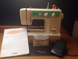 Sewing Machine Brother vx-1125, Excellent Condition With All Accessories, Buttonhole Capabilities