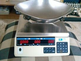 excellent digital weighing scales perfect condition and working order