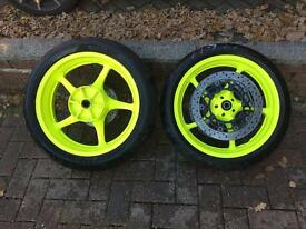 R6 wheels will fit 06 to 16 model just been powder coated