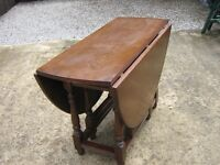 ANTIQUE SOLID OAK DOUBLE GATE LEG DOUBLE DROP LEAFTABLE STILL WITH OLD CHARM STICKERS UNDERNEATH