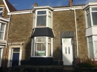 REFURBISHED FOUR BEDROOM HOUSE AVAILBLE FOR STUDENTS/PROFESSIONALS