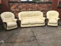 LEATHER 3 PIECE SUITE CREAM LEATHER REAL LEATHER COST OVER 1000 NEW BARGAIN AT £275 CAN DELIVER