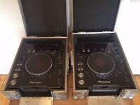 PIONEER CDJ 1000 MK2 (PAIR) + FLIGHT CASES