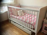 Mamas Papas Cot Bed