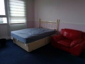 3 bedroom flat to rent in Cowcaddens, Glasgow City Centre