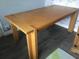 Large dining table Make me an offer