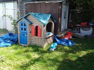 maisons little tike jeux et jouets dans grand montr al petites annonces class es de kijiji. Black Bedroom Furniture Sets. Home Design Ideas