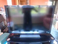 Panasonic TX-L32E30B hd flat screen LCD tv. Remote, cables, manal amd original receipt. URGENT SALE.