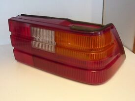 ROVER 827 RIGHT HAND ( DRIVERS SIDE )REAR TAIL-LIGHT UNIT