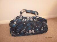 Travel Bag/Shopping Bag.