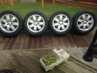 """19""""alloy wheels with pirelli scorpion tyres 2 good tyres will fit range rover/land rover £260 ono"""
